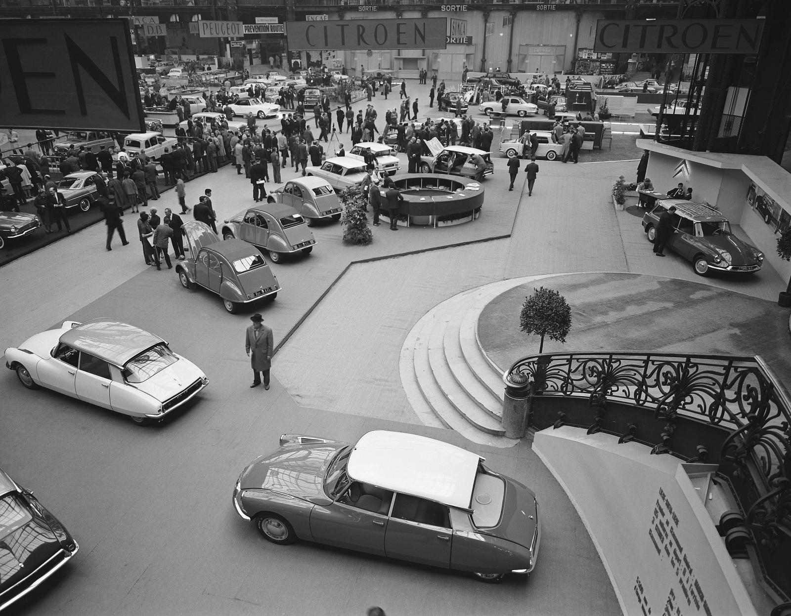 Stánek Citroën - Salon de l'automobile 1961